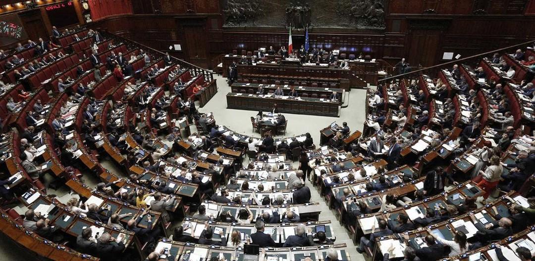 """Index Research per Piazza Pulita – Il partito dei """"voltagabbana"""" e il meno democratico"""